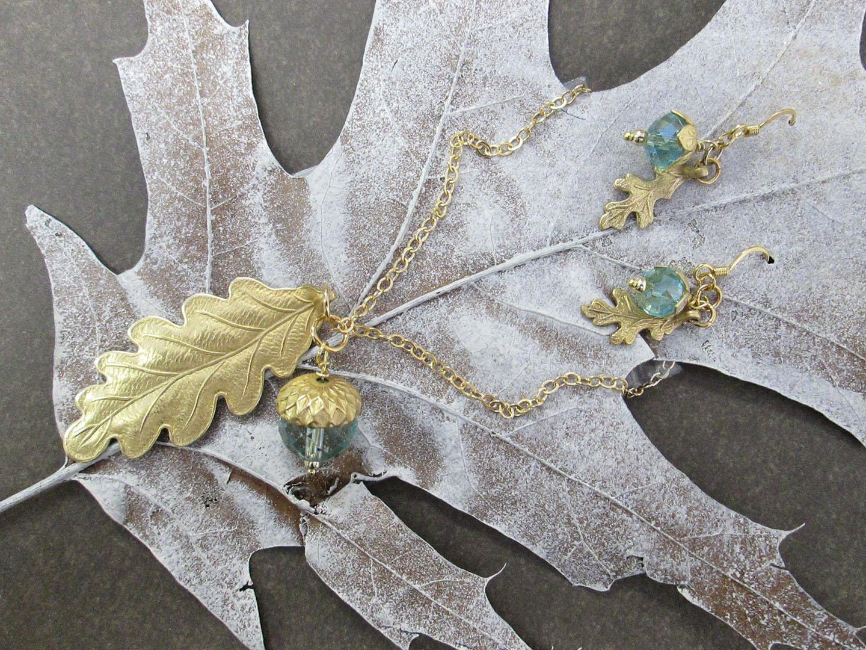 acorn_and_leaf2.JPG